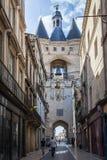 古老Porte凯约在红葡萄酒,法国 免版税库存图片