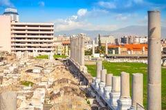 古老Smyrna废墟在现代伊兹密尔,土耳其 免版税库存照片