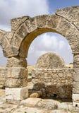 古老Susya犹太教堂滚石杂志入口在约旦河西岸 库存图片