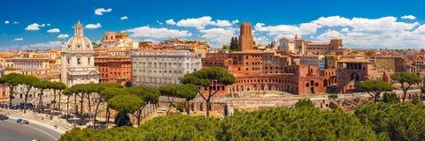 古老Trajan论坛,罗马,意大利Panoramma  免版税库存照片