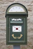 古色古香的传统邮箱 背景几何老装饰品纸张葡萄酒 塔林 Estoni 免版税库存图片