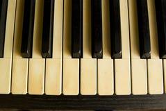 古色古香的关键董事会钢琴 免版税图库摄影