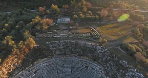 古色古香的剧院和寺庙Stratonikeia土耳其 股票录像