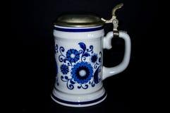 古色古香的剪报查出的水罐路径白色 免版税库存图片