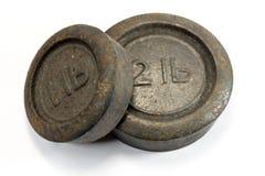 古色古香的厨房1lb和2lb重量 免版税库存图片