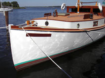 古色古香的可住宿的游艇 免版税图库摄影