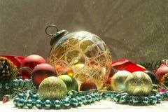 古色古香的圣诞节装饰品 免版税库存照片