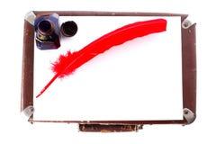 古色古香的墨水池笔红色witn 图库摄影