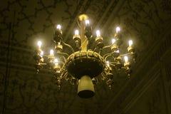 古色古香的天花板枝形吊灯在Badshahi清真寺 免版税库存图片