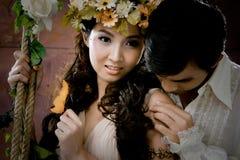 古色古香的夫妇穿戴纵向年轻人 库存照片