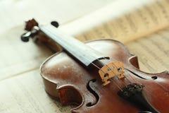 古色古香的小提琴 库存照片