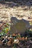 古色古香的手工制造未玷污的墓碑 免版税库存照片