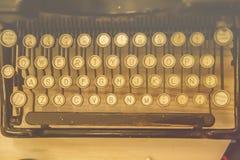 古色古香的打字机主题词 库存图片