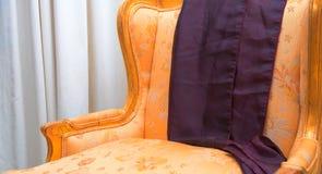古色古香的扶手椅子 免版税图库摄影