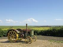 古色古香的拖拉机视图 库存照片