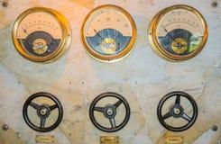 古色古香的控制板 沃里克城堡水车 控制数据设备数字输入设备管理面板工具 图库摄影