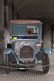 古色古香的救护车 免版税库存图片