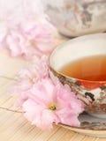 古色古香的日本茶茶杯时间 库存照片
