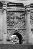 古色古香的曲拱在罗马 库存图片