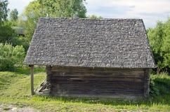 古色古香的木历史谷仓 库存图片