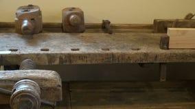古色古香的木工作凳在博物馆 影视素材