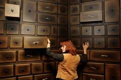 古色古香的机柜夫人 免版税库存图片