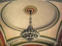 古色古香的枝形吊灯 免版税库存照片