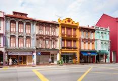 古色古香的样式shophouse大厦在唐人街在新加坡 库存图片