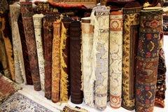古色古香的波斯地毯在伊斯法罕,伊朗 免版税图库摄影