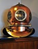 古色古香的潜水员盔甲 免版税库存图片
