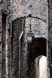 古色古香的灯笼在Sisteron。普罗旺斯,法国 免版税库存图片