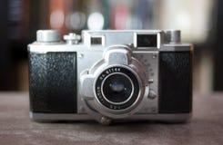 古色古香的照相机定位程序范围 库存照片
