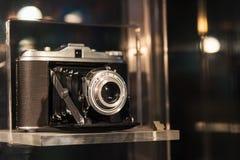 古色古香的照相机老照片 库存照片