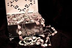 古色古香的珠宝 免版税库存照片