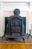 古色古香的生铁火炉 库存图片