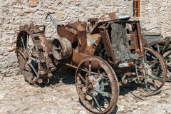 古色古香的生锈的拖拉机 库存照片