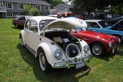 古色古香的甲虫车展大众 库存照片