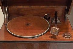 古色古香的电唱机 库存图片