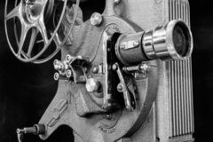 古色古香的电影放映机-从20世纪20年代或20世纪30年代的古色古香的电影放映机 免版税库存照片