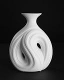 古色古香的白色陶瓷花瓶 免版税库存图片