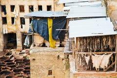古色古香的皮革厂在菲斯,摩洛哥 免版税库存照片