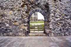 古色古香的石曲拱 圣塞瓦斯蒂安 免版税库存照片