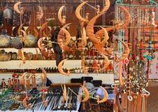 古色古香的纪念品待售在曼德勒 免版税图库摄影