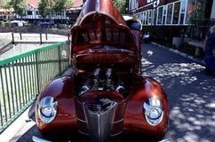 古色古香的经典车展旧车改装的高速马力汽车 库存图片