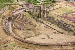 古色古香的罗马剧院在沃尔泰拉,托斯卡纳,意大利 库存照片