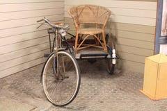 古色古香的老三轮车 免版税库存图片