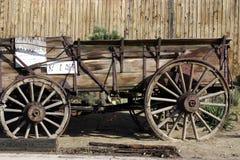 古色古香的老无盖货车 免版税库存照片