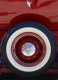 古色古香的自动备用轮胎 库存照片