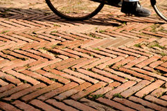 古色古香的自行车路面 免版税库存图片