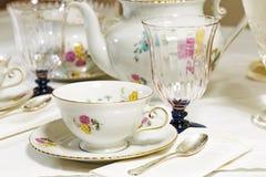 古色古香的花卉茶具 库存照片